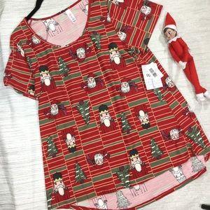🎄🎄NWT Christmas Classic T🎄🎄
